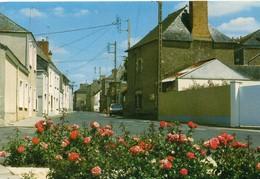 Saint-Lambert-la-Potherie La Rue Principale Voiture - Autres Communes