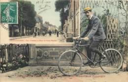 60 - GRANDVILLIERS - Carte Souvenir Cycliste - Rue D'Amiens - Belle Carte Couleur De 1910 - Grandvilliers