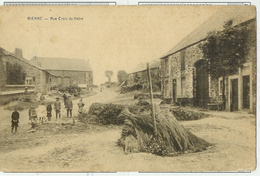 Rienne - Rue Croix Du Hêtre Animé - Circulé Timbre Enlevé - Edit N. Montreuil Jacques - Gedinne