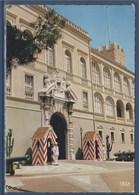 = Monaco, Reflets De La Cote D'Azur, La Garde Princière Devant Le Palais,flamme Grand Prix International D'Echecs - Palacio Del Príncipe