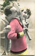 COUPLE WITH TENNIS RACKETS, PAREJA CON RAQUETAS DE TENIS. POSTCARD POTALE CPA CIRCA 1930's NOT CIRCULATED -LILHU - Couples