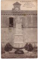 LA JARRIE-AUDOUIN - Le Monument Aux Morts - France