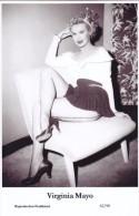 VIRGINIA MAYO - Film Star Pin Up PHOTO Postcard - Publisher Swiftsure Postcards 2000 - Postales