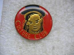 Pin's Du Groupe Culture Club, New Wave Et Pop Britannique D'influence Soul-funk, Mikey Craig Et Boy George - Celebrities