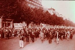 Photo Diapo Diapositive Slide FRANCE Entre 2 Guerres N°6 Manifestation Des Croix De Feu Du 14/07/1935 VOIR ZOOM - Diapositives (slides)