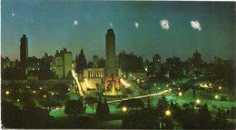 ROSARIO - VISTA NOCTURNA DEL PARQUE Y MONUMENTO A LA BANDERA. ARGENTINA TARJETA POSTAL CIRCULADO 1972 -LILHU - Argentina
