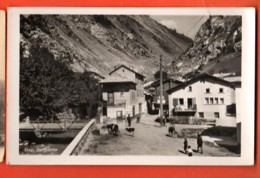 TSJ-15  Steg Bei Raron, Dorfpartie. Belebt. Photo Polenghi Brig. Nicht Gelaufen - VS Valais