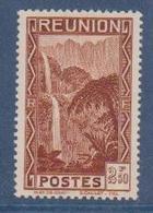 REUNION            N°  YVERT  174    NEUF AVEC  CHARNIERES      ( Ch 02/27 ) - La Isla De La Reunion (1852-1975)