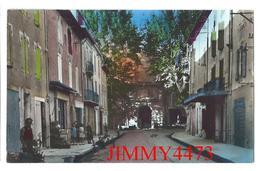 CPSM - Rue De L' Horloge Bien Animée En 1955 - PEYROLLES 13 Bouches Du Rhône - Edit. LA CIGOGNE N° 8.582 - Peyrolles
