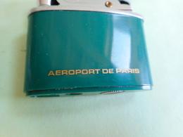 BRIQUET AEROPORT DE PARIS LIGHTER Feuerzeug ACCENDINO ENCENDEDOR AANSTEKER  打火机 Léttari Ljusare Sytytin Vžigalnik - Aanstekers