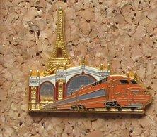 Pin's SNCF Ballard Doré à L'or Fin PARIS Tour Eiffel Gare Du Nord - TGV