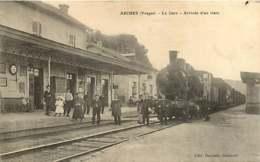 #230619A - 88 ARCHES La Gare - Arrivée D'un Train - Chemin De Fer Chef De Gare - Arches