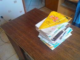 REF.HT . UN LOT DE 240 CARTES FANTAISIES /  BONNE ANNEE  / BONNE FETE / JOYEUX NOEL / ANNIVERSAIRE /ET AUTRE - Postales