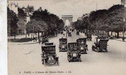 Paris - L'Avenue Des Champs-Elysées  -  Renault Taxi De La Marne -  CPA - Taxi & Carrozzelle