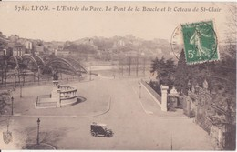 CPA - LYON - 5784. L'entrée Du Parc, Le Pont De La Boucle Et Le Coteau De St Clair - Lyon