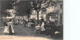 CPA Toulouse - L'Allée Des Nounous - Square Du Capitole - Toulouse