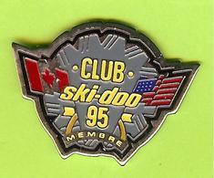 Pin's Club Ski-Doo 95 Membre (Motoneige) - 10V12 - Badges