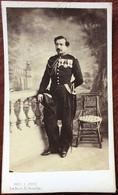 CDV Militaire. Officier Du Service De Santé Des Armées Second Empire. Médaille De Crimée. Photogrpahe Pinot à Versailles - Photos