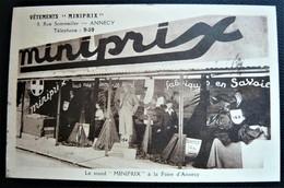 """Vêtements De Savoie  """" MINIPRIX """" 9 Rue Sommellier ANNECY  - Le Stand à La Foire ( 74 Haute Savoie ) 1935 - Annecy"""