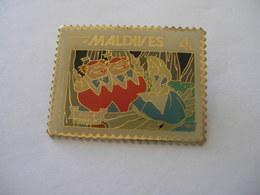 Pin's Timbre Alice In Wonderland Disney Alice Au Pays Des Merveilles MALDIVES - Disney