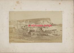 12/ Photo Ancienne Vers 1880 Saint Valéry En Caux (76) Travaux-format Photo 10,4 X6,3 Sur Carton 9,4 X13cm - Lieux