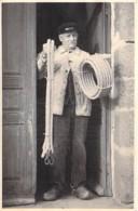 ** Carte Photo / Real Photo ** METIERS ( Rares ) CORDIER à CRAON (53) En 1946 (alors Agé De 78 Ans) Jolie CPA - Mayenne - Craft