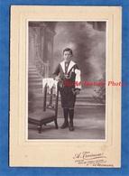 Photo Ancienne - LE NEUBOURG - Portrait De Marcel LEGENDRE Le Jour De Sa Communion - A. Treinen Enfant Garçon Pose - Geïdentificeerde Personen