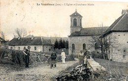 Le Vaudieux L Eglise Et L Ancienne Eglise - Autres Communes