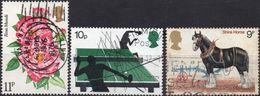 GRAN BRETAGNA 1976/1978 - ROSE + SPORT + CAVALLI - 3 VALORI USATI - 1952-.... (Elisabetta II)