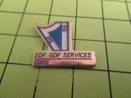 115D PIN'S PINS / Rare Et De Belle Qualité / THEME EDF GDF / CORSE SERVICES ô Doumé De L'électricité Colonialiste ! - EDF GDF