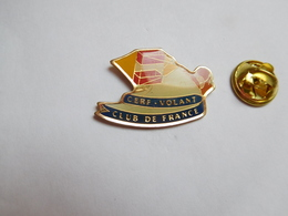Beau Pin's , Sport , Cerf Volant , Kite , Club De France - Badges