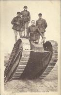 9494 CPA Tank Franchissant Une Butte - Equipment