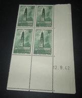 TIMBRE France 1942 Neuf** N°  567   Beffroi D'Arras  BLOC DE 4 - Sheetlets