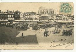 60 - BEAUVAIS / PLACE JEANNE HACHETTE UN JOUR DE MARCHE - Beauvais
