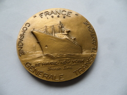 """(Marine Commerciale- Compagnie Générale Transatlantique)- Médaille Paquebot FRANCE  """" Croisières D'Adieu """" (1974) - Professionals/Firms"""