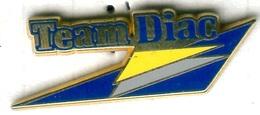 Pin's Arthus Bertrand - Renault Team Diac - Renault