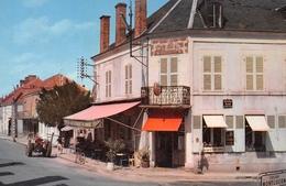 CHATEAUMEILLANT - Place Saint-Blaise - Tracteur - Café-Restaurant Du Commerce - Panneau Culan, Montluçon - Châteaumeillant