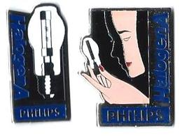 PHILIPS - P21 - HALOGENA - 2 Pin's Différents - Verso : SM - Trademarks