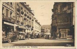 CPA - 3 Belles Voitures Anciennes - Une PEUGEOT - à YVETOT (76) - Voitures De Tourisme
