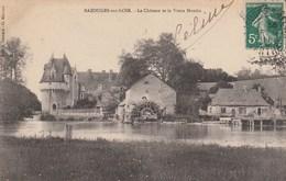 BAZOUGES SUR LOIR Le Chateau Et Le Vieux Moulin 938LL - Autres Communes