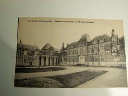 Aa004 LE CELLIER Chateau De Clermont Sur La Cour D Honneur - Le Cellier