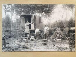 CPA - 58 - Fabrication Du Charbon De Bois Dans La Nièvre - Beau Plan- Impécable - Unclassified