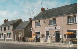 CPSM COULEUR:TRANGE (72) LES MAISONS ROUGES PERSONNES EN TERRASSE CAFÉ AU BON ACCUEIL BORNE À ESSENCE..ÉCRITE - Autres Communes