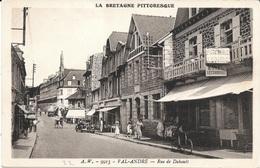 22 - VAL-ANDRE - Rue De Dahouët - A.W. 9915 - Commerces, Automobile, Animation - - France