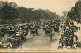 CPA - PARIS -  AVENUE DU BOIS DE BOULOGNE - RETOUR DES COURSES - France