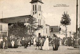 33. CPA. CYPRESSAT CENON.  église, Avenue Thiers, Sortie De Messe. - Other Municipalities