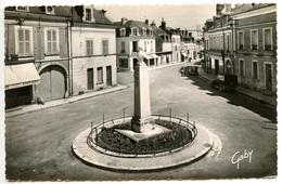 VALENCAY - Place Taleyrand Et Rue De La République  - Voir Scan - Other Municipalities