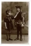 Carte Photo C1935 - Enfants Déguisés - Diablotins - Petits Diables - Déguisement  - 2 Scans - Portraits