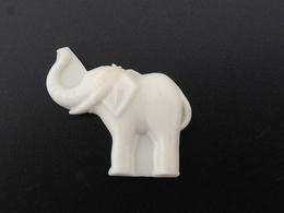 """FEVE - FEVES -  """"ANCIENNE PLASTIQUE BLANC""""- UN ELEPHANT - Oude"""