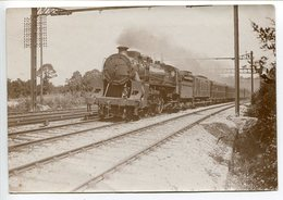 Photo Tirage Amateur ? Train Locomotive Vapeur Wagons * Verso Annotée Pacific American ? à Perray Vaucluse * Voir Scan - Railway